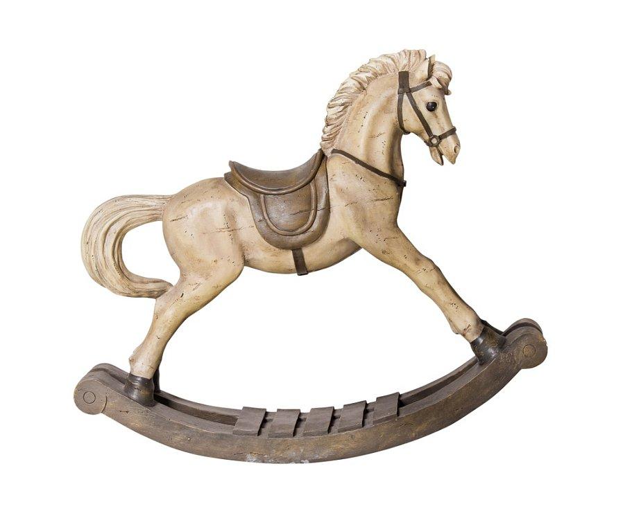 Když jsem viděla dřevěného houpacího koníka, hned jsem věděla, že bude můj.