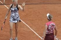 Siniaková s Krejčíkovou vyhrály čtyřhru na Roland Garros