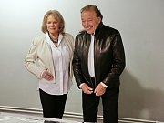 Karel Gott a Eva Pilarová.