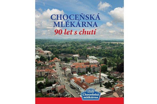 Výroční kniha 90 let s chutí bude k dostání v podnikové prodejně Choceňské mlékárny.
