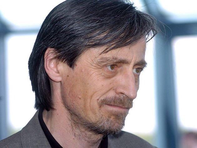 Umělecký šéf Divadla na Vinohradech dal výpověď, nesouhlasí s kroky nového vedeníá