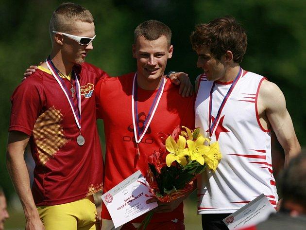 Překážkář Michal Brož (vlevo) na mistrovstvím České republiky.