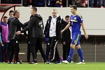 Bosenský útočník Edin Džeko kvalifikační zápas s Řeckem nedohrál.