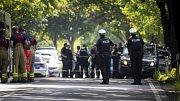 V Lübecku napadl útočník nožem cestující v autobusu