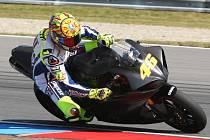 Valentino Rossi testoval svou formu na okruhu v Brně po zranění nohy.