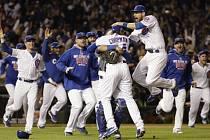 Radost hráčů Chicaga Cubs.