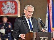 Prezident Miloš Zeman hovoří při příležitosti svátku Dne vzniku samostatného československého státu na Pražském hradě, kde uděloval 28. října státní vyznamenání.
