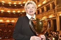 Herečka Alena Vránová převzala prestižní Cenu Thálie za celoživotní činoherní mistrovství.