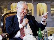 Prezident Miloš Zeman vystoupil 25. května v Praze na jubilejním Žofínském fóru.