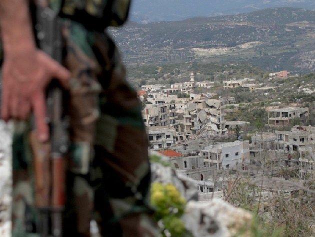 Syrská monitorovací skupina SOHR se sídlem v Londýně dnes zvýšila na 55 počet obětí pokračujících náletů na severosyrské město Rakka, označované za hlavní město radikálů z organizace Islámský stát.