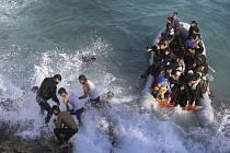 Do Řecka přišlo jen letos již více než 500.000 migrantů především ze Sýrie, Iráku a Afghánistánu. Ilustrační foto.