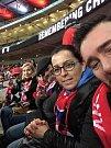 Hana Kafková z Velké Bukové a její přátelé ve Wembley.