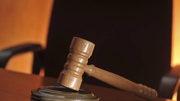 Soud, rozsudek, kladívko - ilustrační foto.