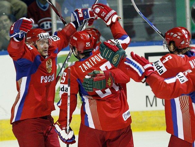 Prvním finalistou světového šampionátu se stal tým Ruska.