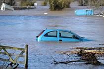 Záplavy ve Velké Británii.