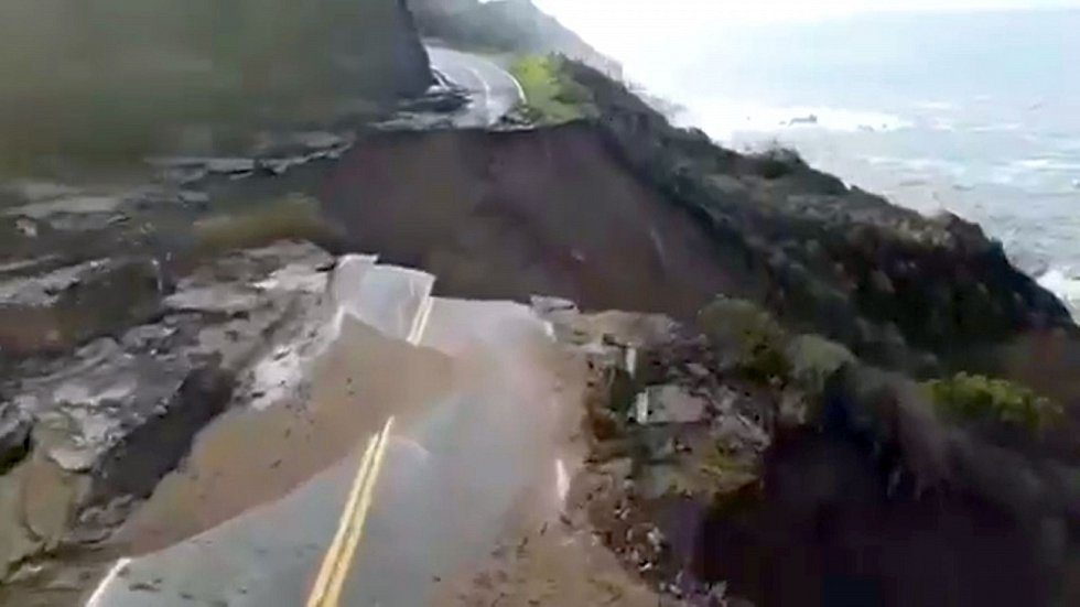 Za normálních podmínek patří dálnice podél tichomořského pobřeží ke kalifornským lákadlům