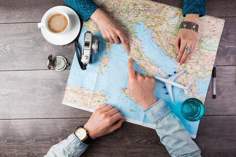 Proti aplikacím mají papírové mapy hlavní výhoduv tom, že když s nimi umíte pracovat, fungují kdykoliva kdekoliv.