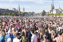 Na technoparty v Curychu se sešlo milion lidí.