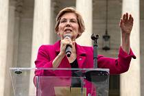 Americká senátorka a možná kandidátka na prezidentku Elizabeth Warrenová