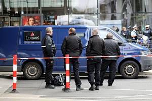 Lupiči na německém letišti Kolín/Bonn přepadli dodávku s penězi