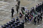 Nový prezident Miloš Zeman absolvoval 8. března po složení slibu vojenskou přehlídku na třetím nádvoří Pražského hradu.