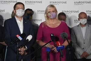 Předseda Vít Rakušan STAN a jednička středočeské kandidátky Petra Pecková.