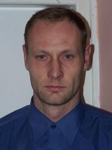 Tatínek zavražděného Jana Rokose.