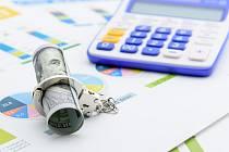 Peníze, defraudace, ilustrační foto
