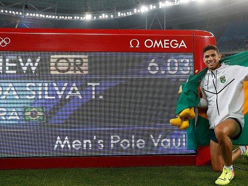 Senzačním vítězem v dramatické soutěži tyčkařů se stal Thiago Braz da Silva