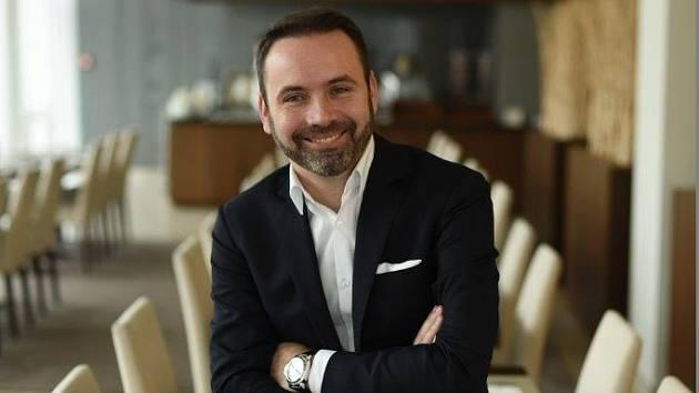 Tomáš Rousek šéfuje NH Collection Olomouc Congress hotelu. Vroce 2017 dokonce získal cenu Hoteliér roku.