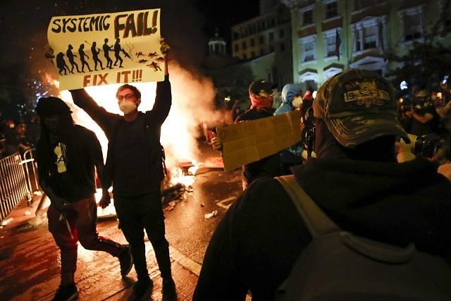 Protesty proti policejní brutalitě