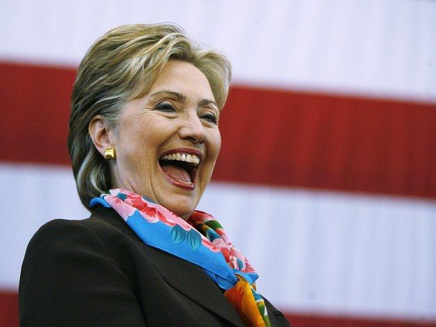 Clintonová v Pennsylvanii vede, ale Obama před důležitými primárkami v tomto státě její náskok stahuje.
