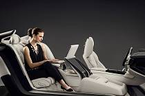 Volvo S90 Excellence Lounge Console.