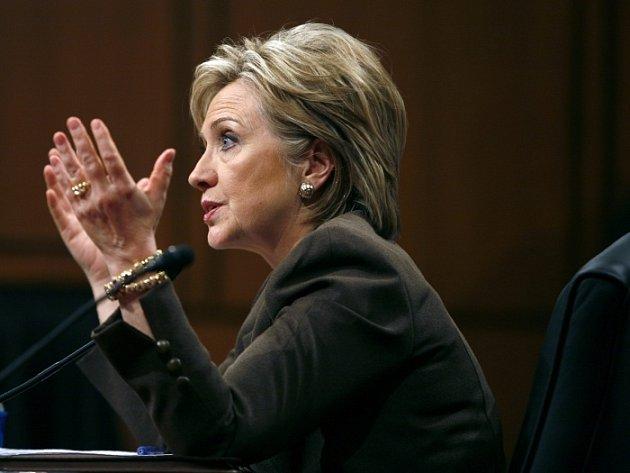 Hillary Clintonová před zahraničním výborem Senátu.