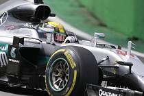Lewis Hamilton v tréninku na Velkou cenu Brazílie.