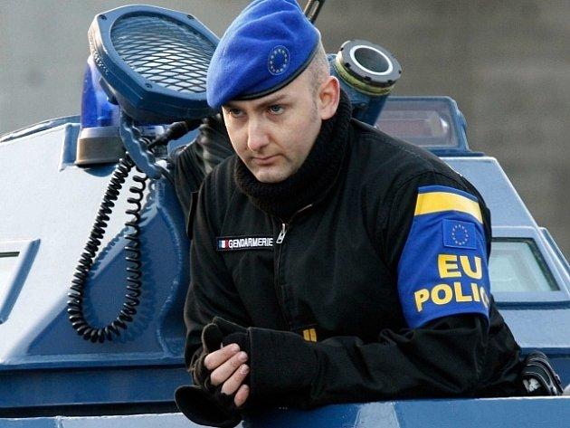 Příslušník mise EULEX. Ilustrační foto.