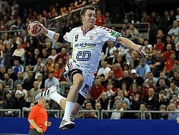 Český reprezentant Filip Jícha byl zvolen nejlepším házenkářem světa za rok 2010. V anketě expertů, novinářů a fanoušků, jejíž výsledky byly ve čtvrtek vyhlášeny před zahájením mistrovství světa ve Švédsku, dostal 31 procent hlasů.