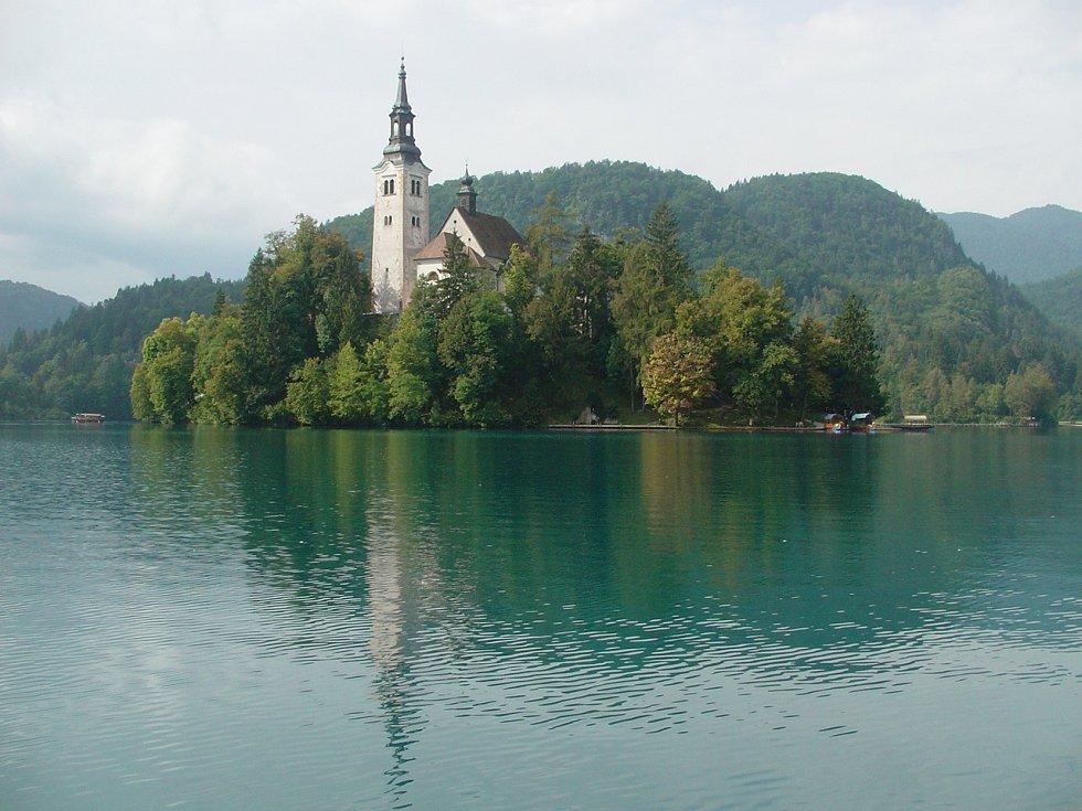 Jezero Bled s kostelíkem uprostřed se stalo ikonou Slovinska