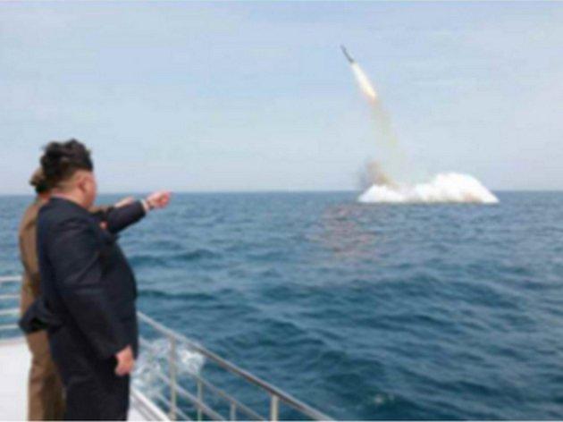 Zkouška balistické rakety Scud z roku 2014.