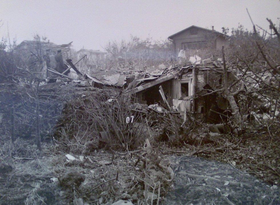 Suchdol, 30. října 1975. Několik chatiček bylo doslova zdemolováno