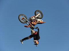 Freestyle motocrossař Petr Pilát.