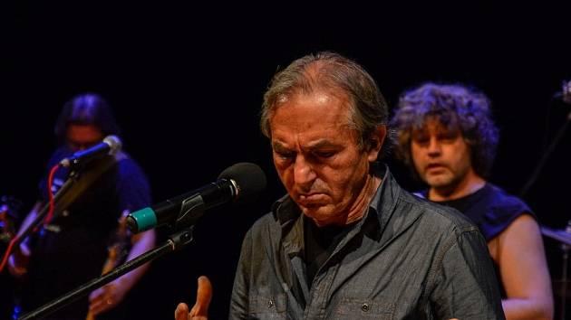 Skupina Mrakoplaš zve na 5. ročník benefičního koncertu na podporu výzkumu Alzheimerovy nemoci.
