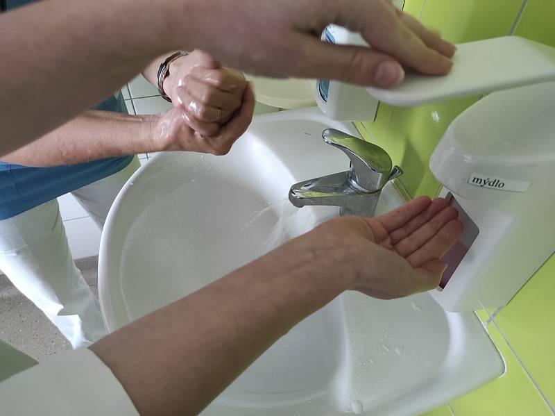 Víte, jak si správně umývat ruce?