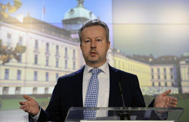 Richard Brabec na tiskové konferenci po jednání vlády
