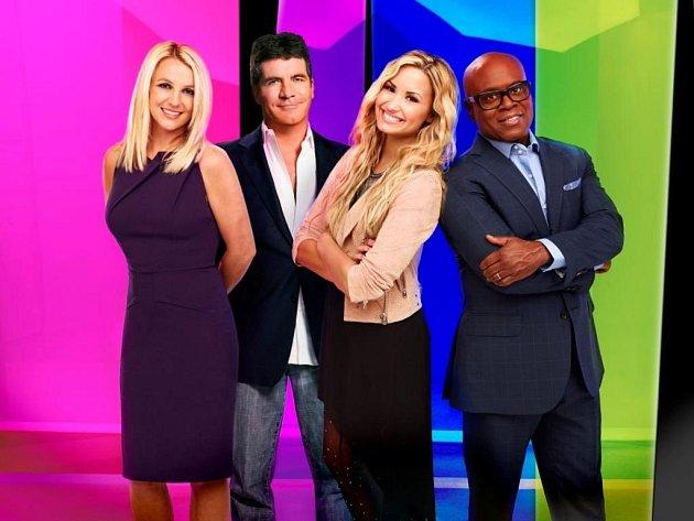 Porota americké verze X Factor, ve které zasedly megastar hudebního průmyslu Britney Spears, Demi Lovato, producent L. A. Reid a tvůrce soutěže Simon Cowell.