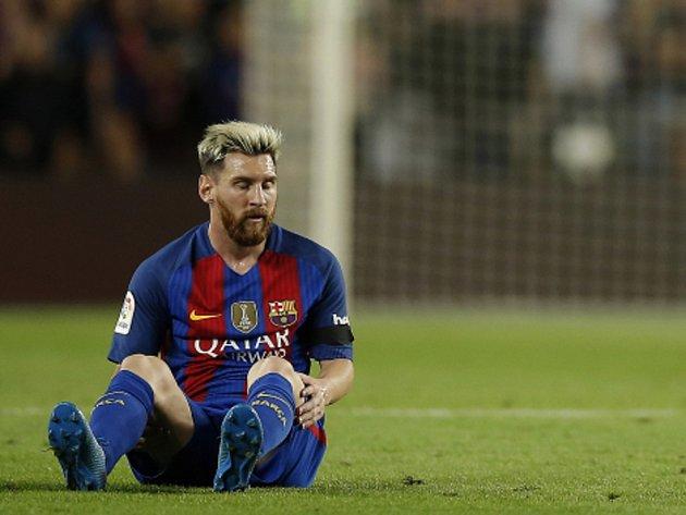 Hvězdu Barcelony Lionela Messiho čeká kvůli zranění pauza.