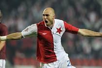 Fotbalisté Slavie zvítězili nad Spartu 1:0 a pražské derby ovládli po čtyřech letech. O vítězství rozhodl jedinou brankou v 73. minutě obránce Slavie Martin Latka.