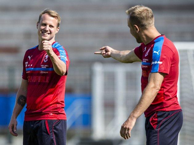 David Limberský (vlevo) a Daniel Kolář na tréninku fotbalové reprezentace.