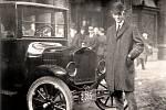 Henry Ford s modelem T. Hotel Iroquois, Buffalo NY, rok 1921