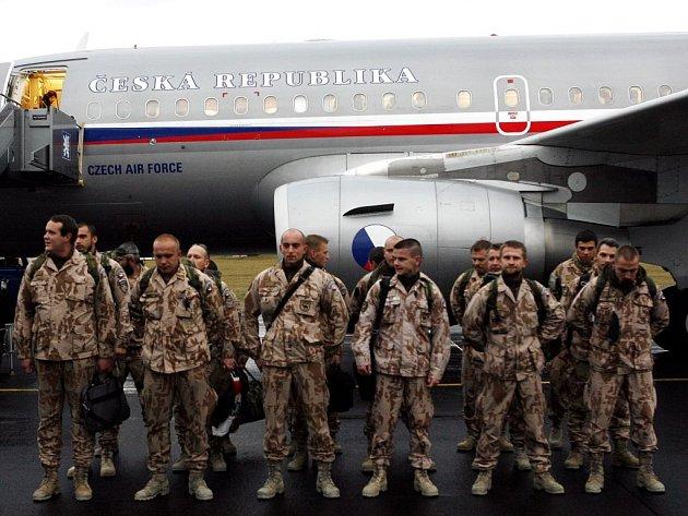 Na základně mezinárodních sil ISAF na letišti v Kábulu působili naši lékaři od srpna tohoto roku.